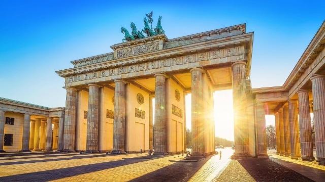 Es kommen auch wieder bessere zeiten brandenburger tor in berlin